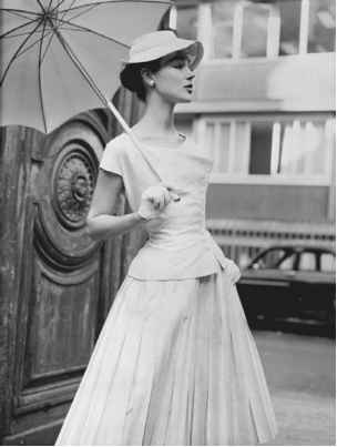 Early Twentieth Century Women Fashion